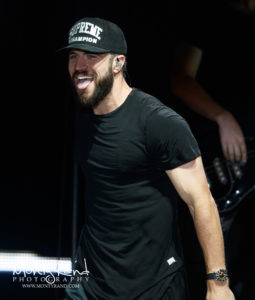 concert photo sam hunt 1821